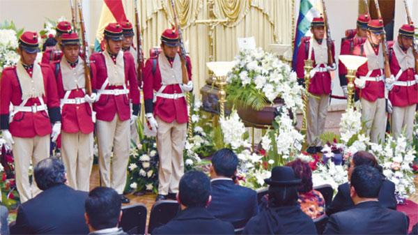 Aparece vídeo que muestra a viceministro boliviano siendo amenazado de muerte