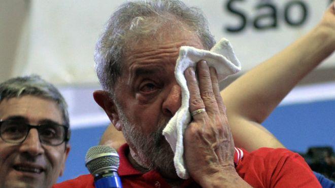 Fiscales presentan cargos por corrupción contra Lula: GloboNews