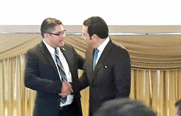 Prohíben a hijo y hermano del presidente Morales salir del país — Guatemala
